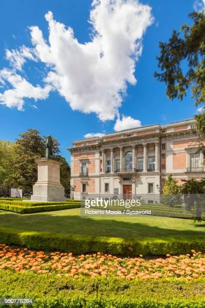 museo del prado and gardens of puerta de murillo, madrid, spain - el prado museum stock pictures, royalty-free photos & images