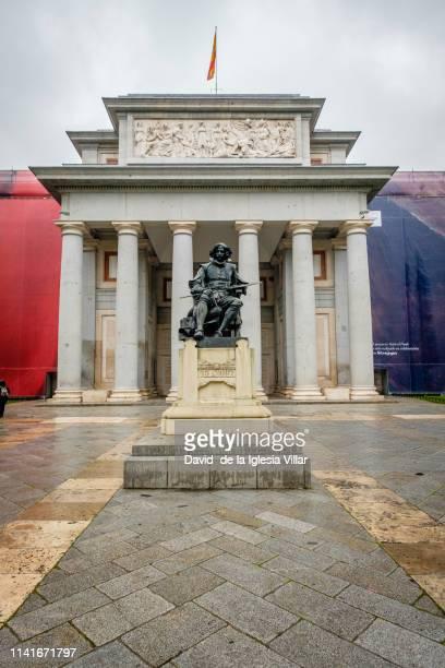 museo del prado entrance in madrid - el prado museum stock pictures, royalty-free photos & images