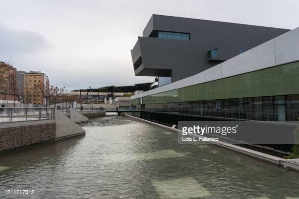 museu del disseny, barcelona, spain - デザイン博物館 ストックフォトと画像