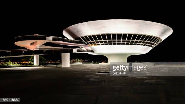 museum art contemporanea mac niemeyer niteroi - niemeyer museum of contemporary arts stock pictures, royalty-free photos & images