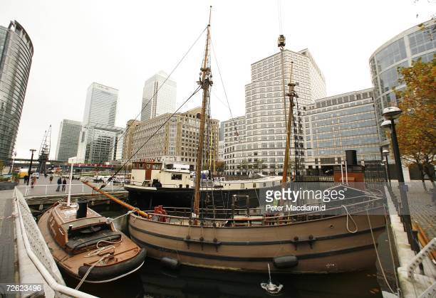 Museum in Docklands staff work on a replica Discovery ship on November 22, 2006 in London. A new exhibition 'Journey to the New World: London 1606 to...