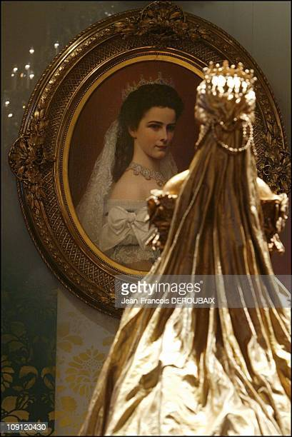 Museum Is Devoted To Empress Sissi In Hofburg Palace On May 1 2004 In Vienna Austria Sissi Facing Her Portrait By Raab Showing Her Wearing The Garb...