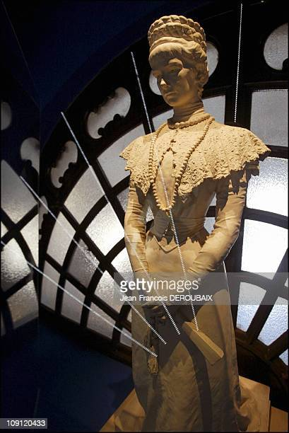 Museum Is Devoted To Empress Sissi In Hofburg Palace On May 1 2004 In Vienna Austria A Sculpture Of Sissi In The 1890S By Hermann Kloiz