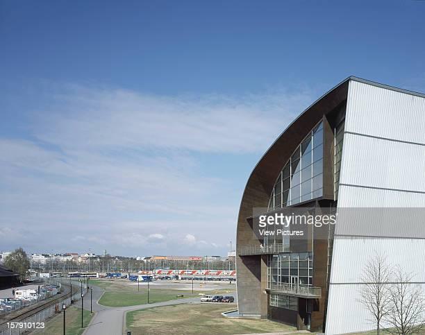 Museum Of Contemporary Art Kiasma Helsinki Finland Architect Steven Holl Museum Of Contemporary Art Kiasma West End Of Building With Landscape