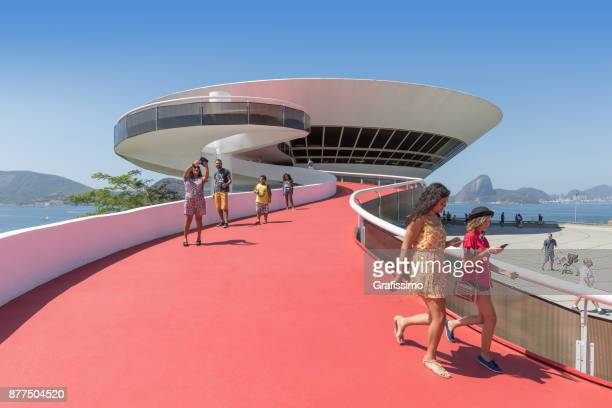 museum of contemporary art on niteroi rio de janeiro brazil - niemeyer museum of contemporary arts stock pictures, royalty-free photos & images