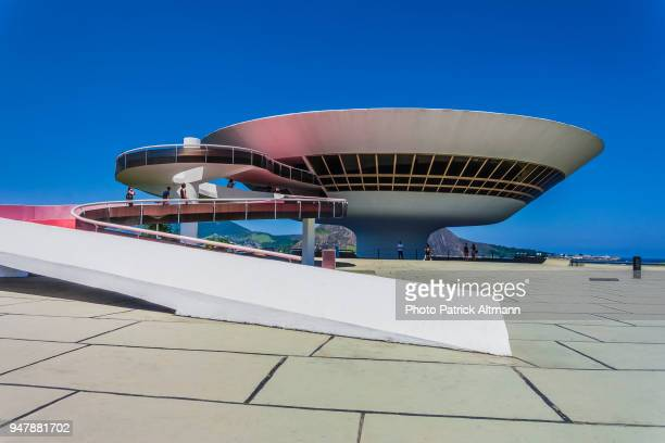 museum of contemporary art rounded building in the city of niterói located across the bay of rio de janeiro, brazil - niteroi stock pictures, royalty-free photos & images