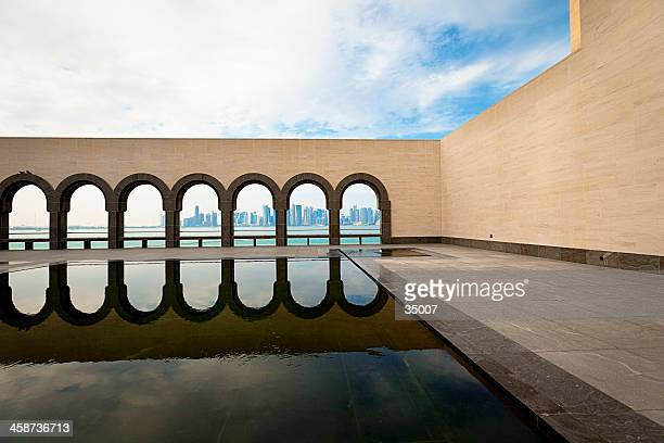 museum of islamic art - arch stock pictures, royalty-free photos & images
