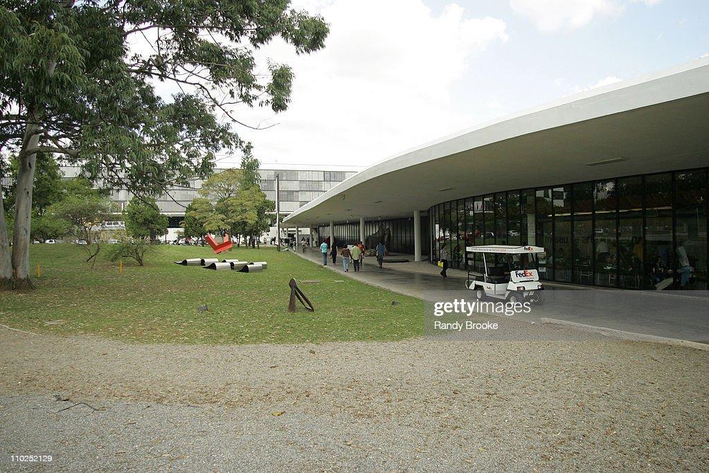 Sao Paulo Fashion Week Spring/Summer 2006 - Mareu Nitschke - Runway : News Photo