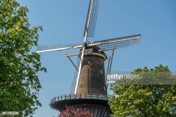 博物館「デバルク」ライデン、オランダの風車します。 - ライデン ストックフォトと画像