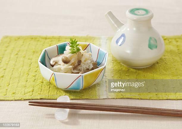 mushrooms dressed with grated radish - shimeji mushroom stock pictures, royalty-free photos & images