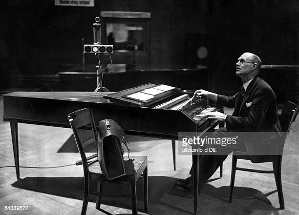 music a piano tuner at work Photographer Ullmann Published by 'Sieben Tage' 07/1936Vintage property of ullstein bild