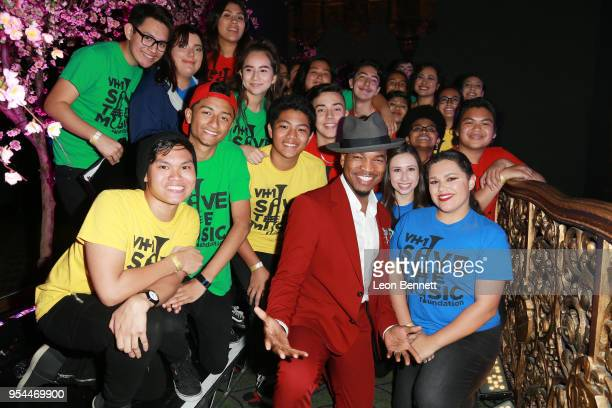 Music artist NeYo and local childrens choir attends the VH1's 3rd Annual Dear Mama A Love Letter To Moms Cocktail Reception at The Theatre at Ace...