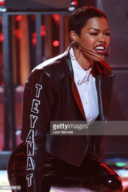 Music artist Teyana Taylor performs onstage during VH1's 3rd Annual 'Dear Mama A Love Letter To Moms' Inside Show at The Theatre at Ace Hotel on May...