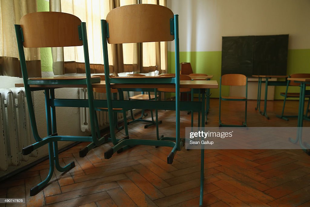 As Thousands Of Schools Close, One Struggles To Stay On : News Photo