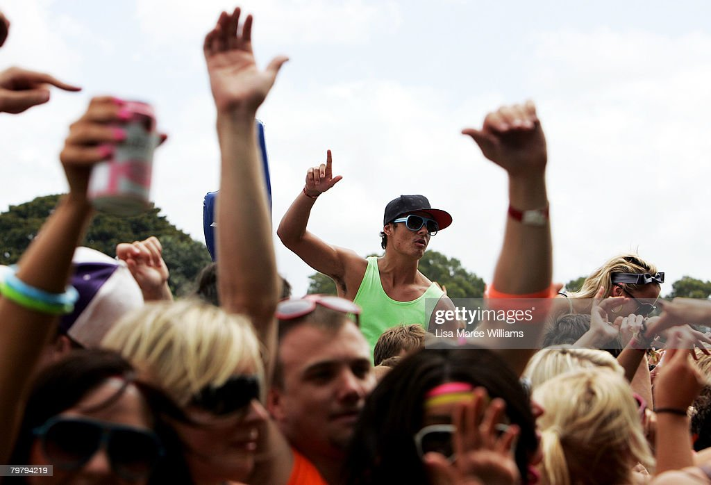 Music fans cheer during the Good Vibrations Festival in Centennial Park on February 16, 2008 in Sydney, Australia.