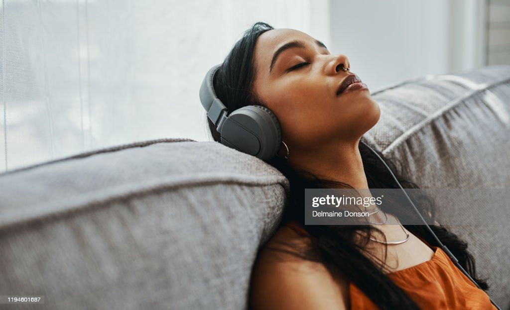 Música em primeiro lugar, a vida depois : Foto de stock