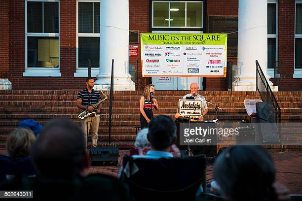 music on the square in jonesborough tennessee - sponsorship stock pictures, royalty-free photos & images