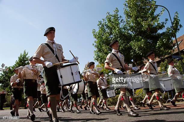 música, desfile em brunssum - marchando - fotografias e filmes do acervo