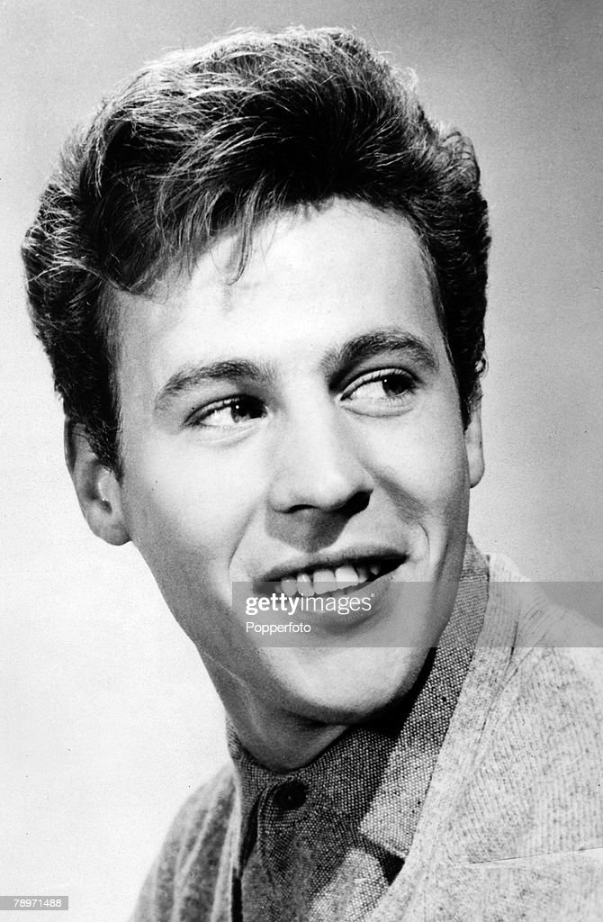 circa 1965, British pop singer Mark Wynter popular in the late and... News  Photo - Getty Images