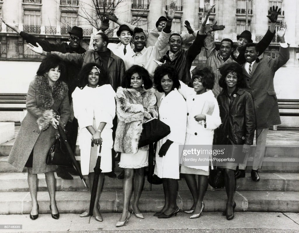 Music Personalities U.S.A. pic: October 1964. London. American pop groups The Supremes, Martha and the Vandellas, The Temptations and Smokey Robinson and The Miracles pictured on a London visit. : News Photo