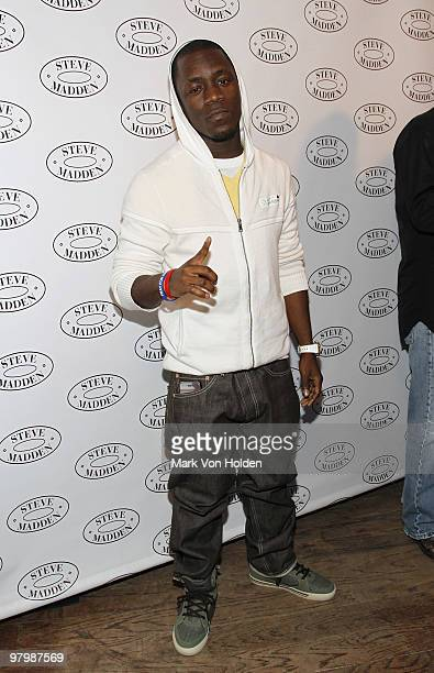 Musical artist Iyaz poses at the Steven by Steve Madden on March 23 2010 in New York City