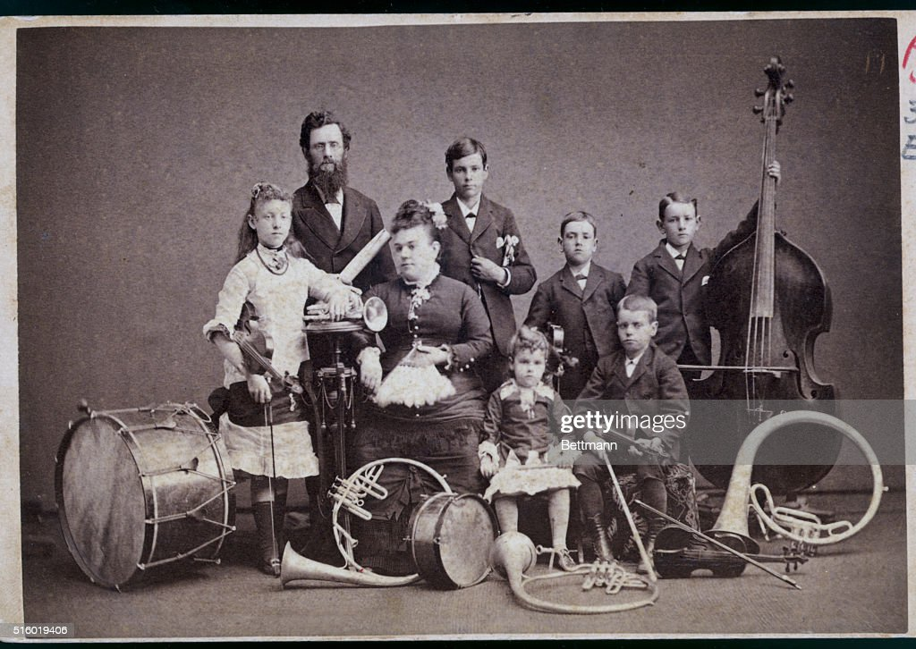 Musical Family with Instruments : News Photo