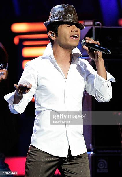 Musical group Camila performs onstage during the 8th annual latin GRAMMY awards held at the Mandalay Bay Events Center on November 8 2007 in Las...