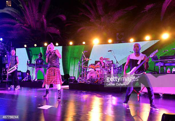 Musical group No Doubt performs onstage during the City of Hope Spirit of Life Gala honoring Apple's Eddy Cue at the Pacific Design Center on October...
