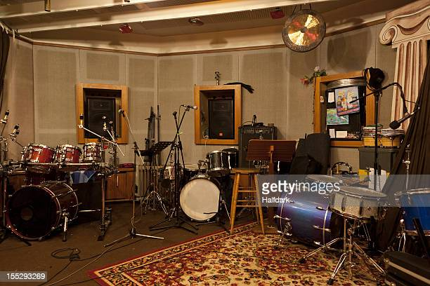 musical instruments and audio equipment in a sound studio - recording studio stock pictures, royalty-free photos & images
