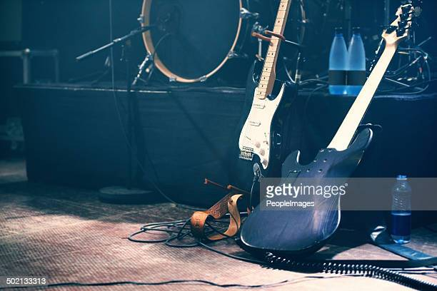 waiting to be played - electric guitar stock pictures, royalty-free photos & images