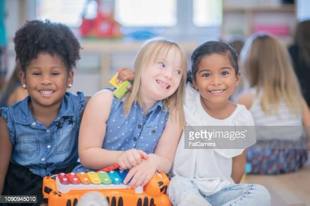 crianças musicais - questão social - fotografias e filmes do acervo
