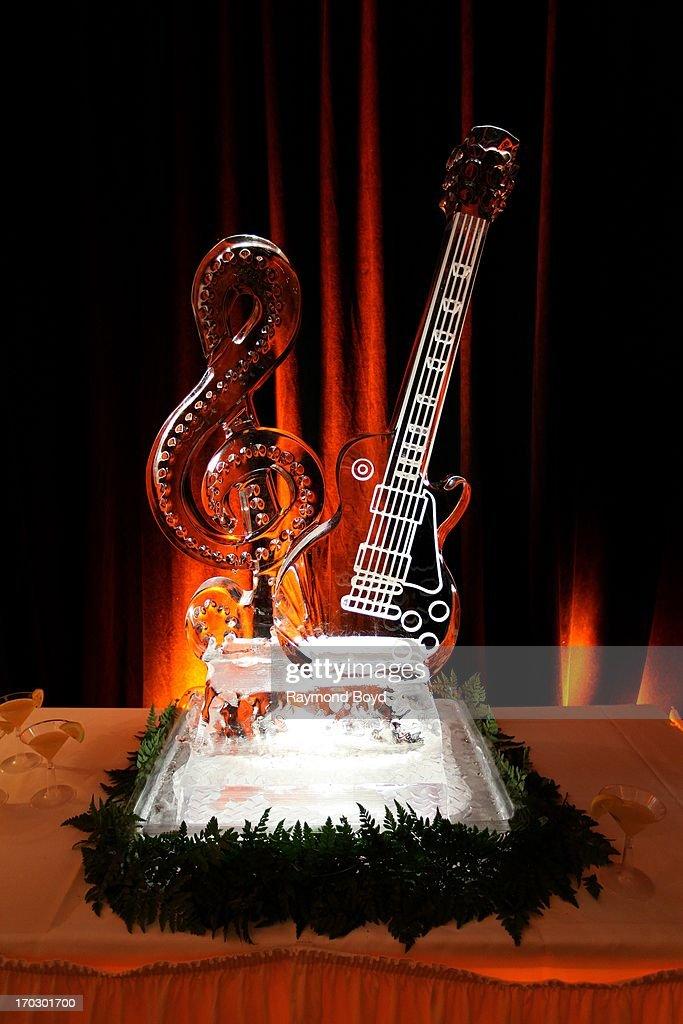 Les Paul Exhibit Celebrates Inventor's Life And Legacy : News Photo