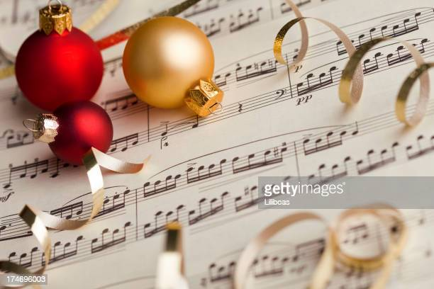 musical score christmas - christmas music stock pictures, royalty-free photos & images