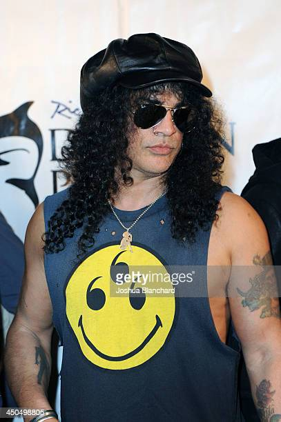 Musican Slash arrives at the Avalon for Kings of Chaos Tokyo Celebrates The Dolphin Benefit Concert on November 18, 2013 in Hollywood, California.