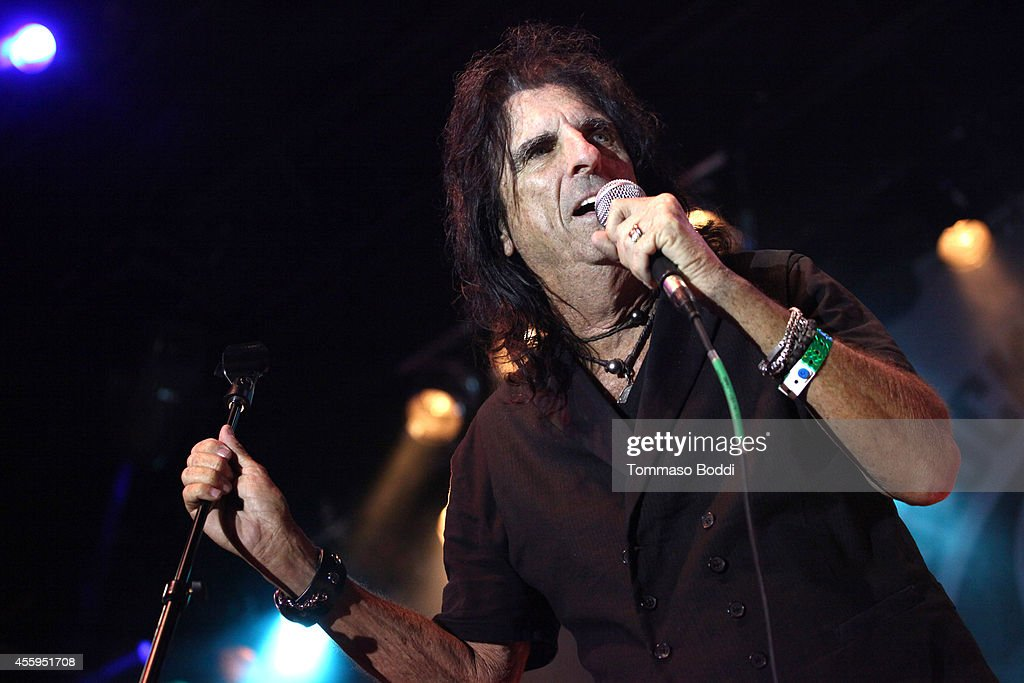 Musician Alice Cooper performs at the 7th annual Scott Medlock-Robby Krieger Invitational & All-Star Concert benefiting St. Jude held at Moorpark Country Club on September 22, 2014 in Moorpark, California.