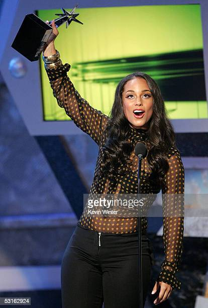 Musician Alicia Keys accepts the award for Best Female RB Artist onstage at the BET Awards 05 at the Kodak Theatre on June 28 2005 in Hollywood...