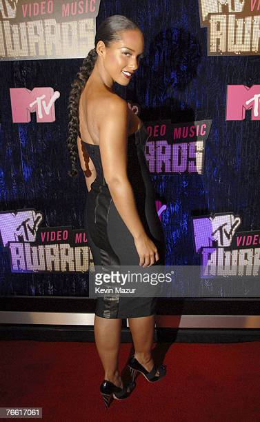 Musician Alicia Keys arrives at the 2007 MTV Video Music Awards at The Palms Hotel on September 9 2007 in Las Vegas Nevada