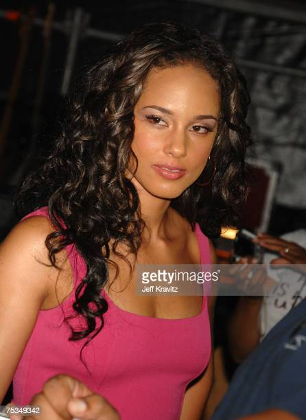 EAST RUTHERFORD NJ JULY 07 Musician Alicia Keys backstage at the Live Earth New York Concert held at Giants Stadium on July 7 2007 in East Rutherford...