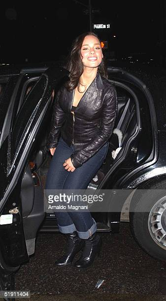 Musician Alicia Keys leaves a midtown restaurant after having dinner with her mom January 3 2005 in New York City