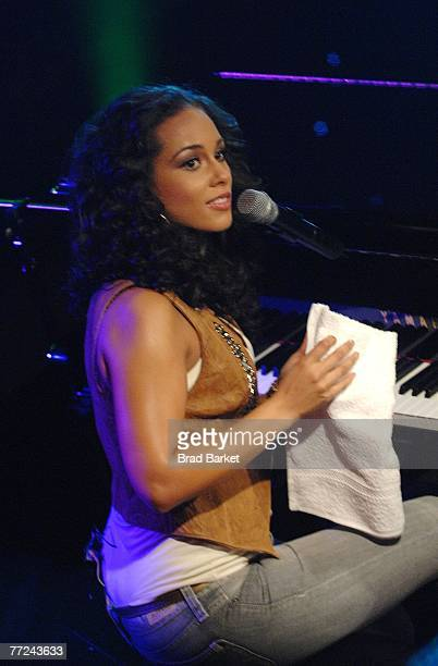 Musician Alicia Keys performs on BET's 106 and Park at BET Studios October 9 2007 in New York City