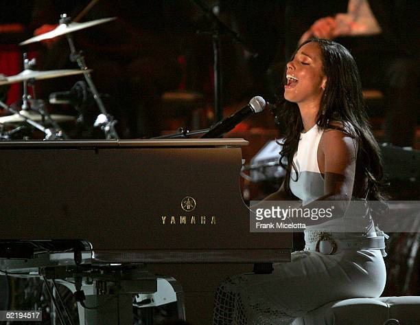 Musician Alicia Keys performs on stage during the 47th Annual Grammy Awards at Staples Center February 13 2005 in Los Angeles California