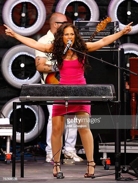 Musician Alicia Keys performs onstage during Live Earth New York at Giants Stadium on July 7 2007 in East Rutherford New Jersey