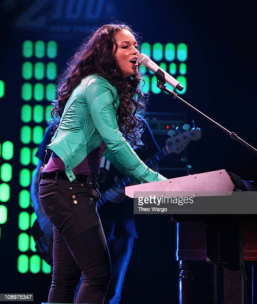 Musician Alicia Keys performs onstage during Z100's Jingle Ball 2007 at Madison Square Garden December 14 2007 in New York City
