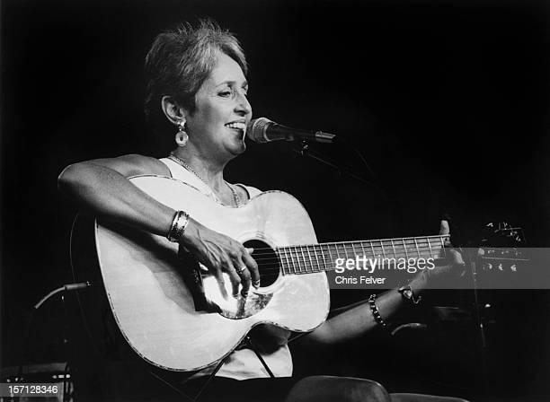 Musician and activist Joan Baez performs 1996