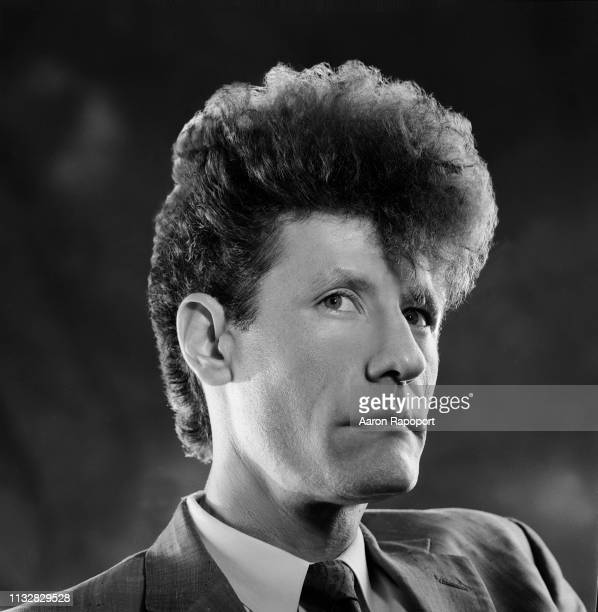 Musician and performer Lyle Lovett poses for a portrait in December 1985 in Los Angeles California
