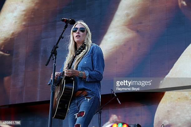 Holly Williams Photos Et Images De Collection Getty Images