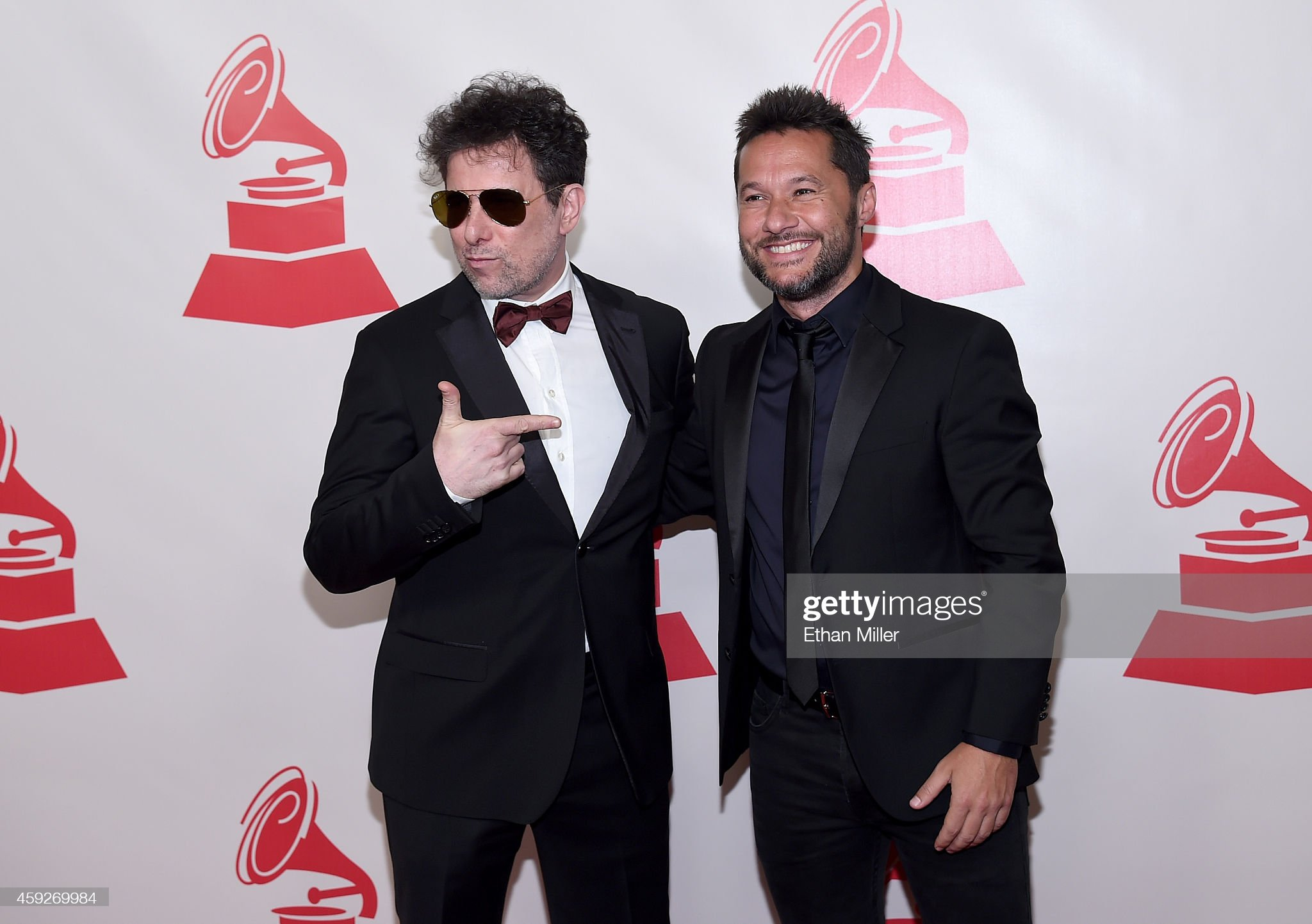 ¿Cuánto mide Andrés Calamaro? - Altura Musician-andres-calamaro-and-singer-diego-torres-attend-the-2014-of-picture-id459269984?s=2048x2048