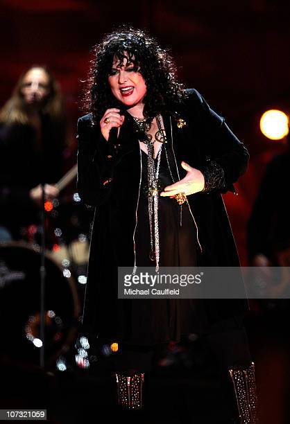 Musician Ann Wilson of the band Heart performs onstage during 'VH1 Divas Salute the Troops' presented by the USO at the MCAS Miramar on December 3...