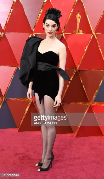 US musician Anne Erin Clark aka St Vincent arrives for the 90th Annual Academy Awards on March 4 in Hollywood California / AFP PHOTO / ANGELA WEISS