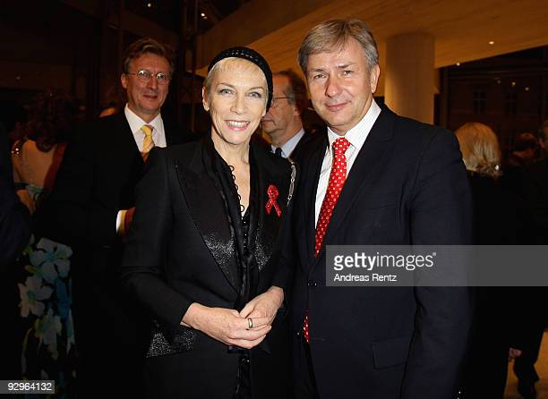 Musician Annie Lennox and Mayor of Berlin Klaus Wowereit attend the gala dinner BELSTAFF FOR PEACE to the 10th World Summit of Nobel Peace Laureates...